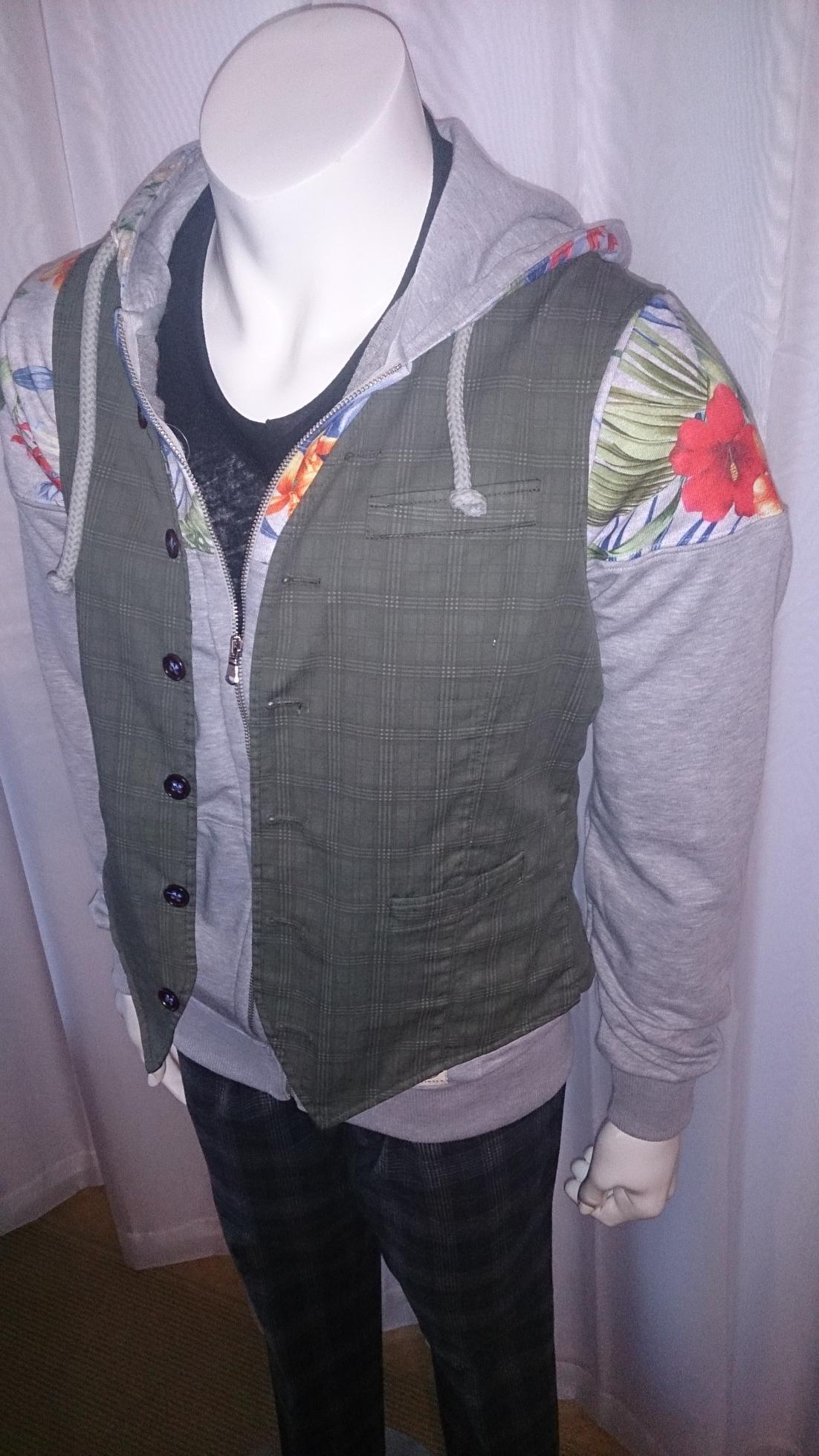 2015-11-04 Stones Vest Above