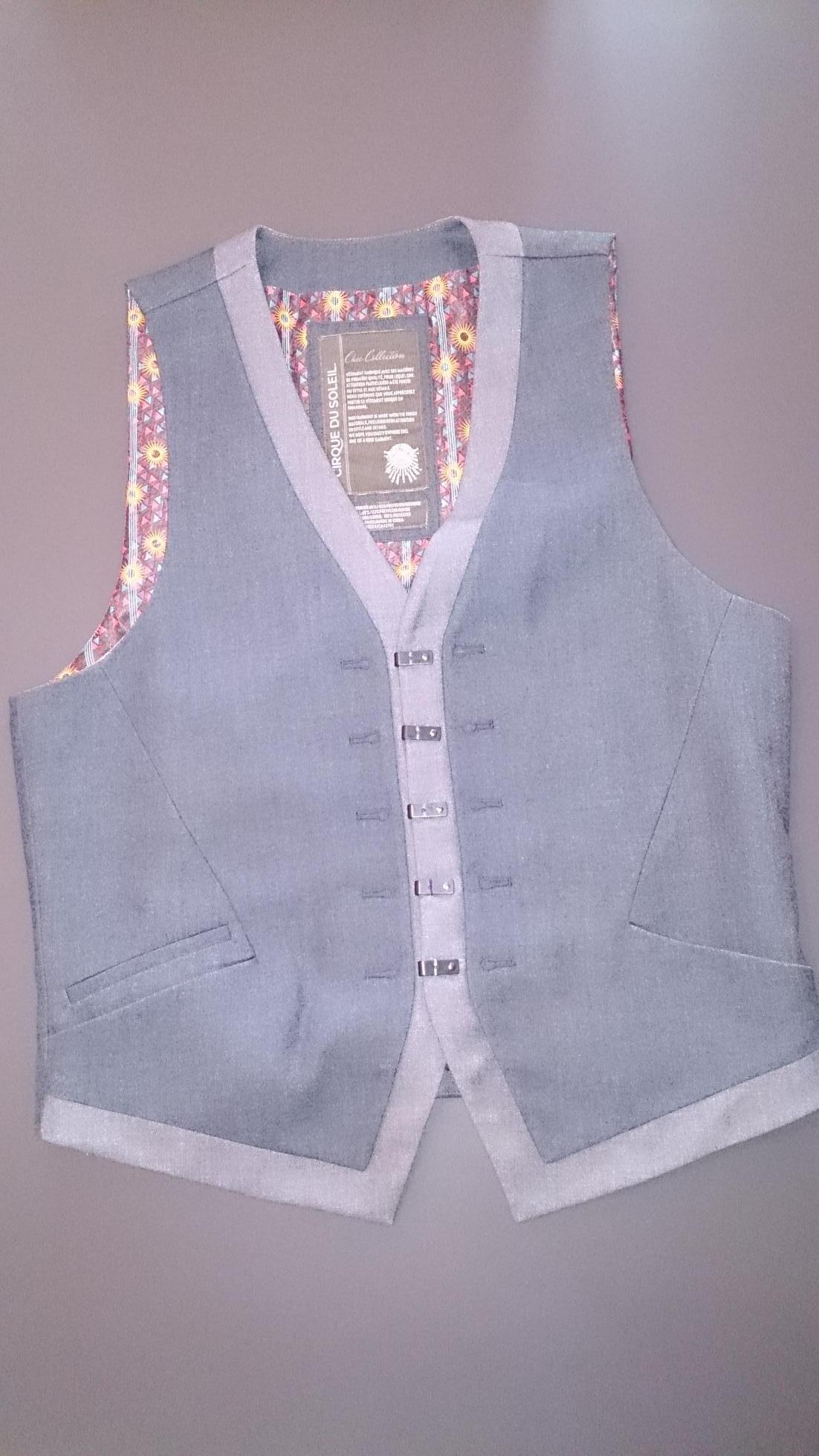 2015-11-30 Cirque Vest