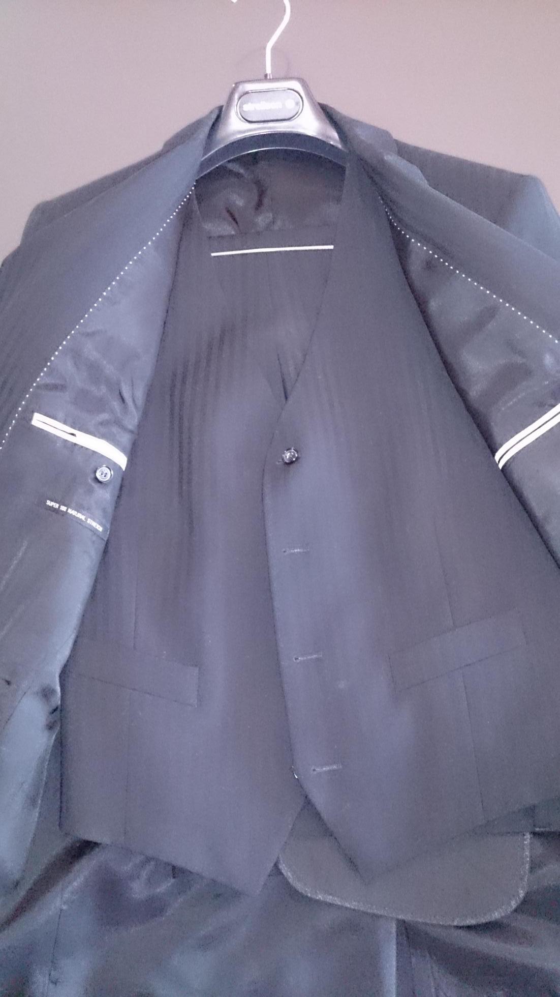 2015-11-30 Strellson Suit Vest